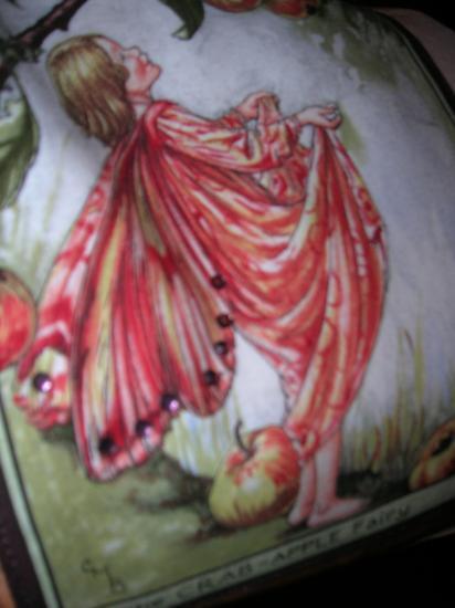 détail de la poche avec strass