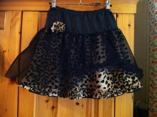 jupe léopard  8/10 ans